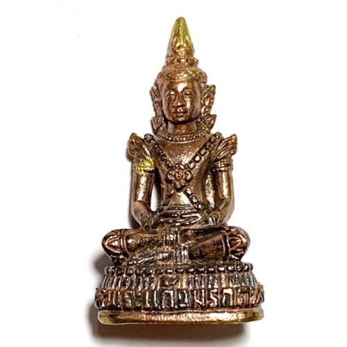 Phra Kring Gaew Morakot Emerald Buddha amulet Blessed at Wat Weluwan